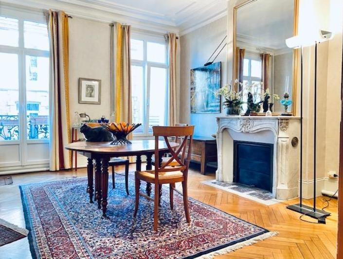 A acheter, à vendre Rouen gare cet appartement duplex de charme ancien en très bon état avec cave voutée.