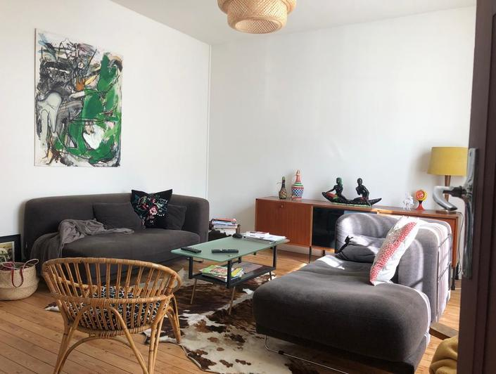 Si vous souhaitezacheter une maison ancienne rouen rive droiteà proximité du chu ,  cette maison de 174 m2 habitable sur sous sol avec jardin , offrant une belle réception , une cuisine équipée avec un coin repas, cinqchambres , une grande salle de bains, une salle de douches, deux wc et une lingerie chaufferie peux vous concerner !  elle est chauffée au gaz et en très bon état intérieur.  elle est proposée au prix de 335000€ TTC FAI honoraires agence charge vendeur.