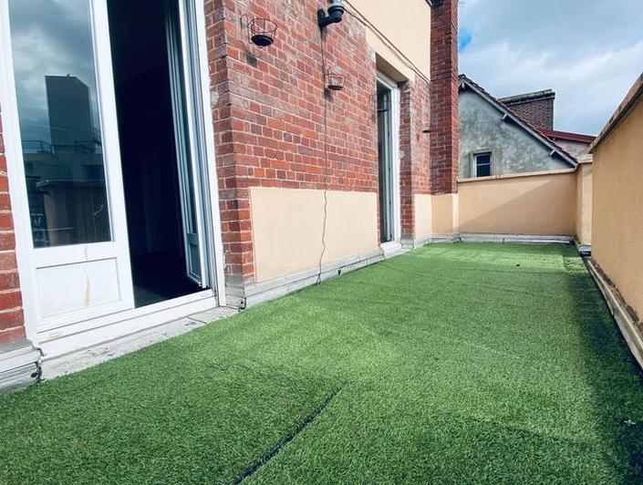 A vendre Rouen saint sever à vendre appartement T1 bis d'une surface de 24m2 plus une terrasse de 10m2