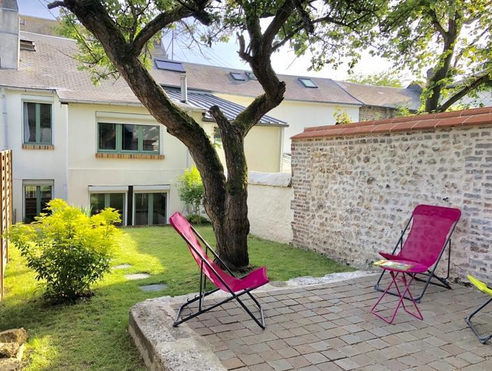 maison de charme avec jardin et terrasse