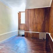 à vendre , à acheter Rouen rive droite appartement T2 avec grenier à aménager de 56 m2 en surface brut avec travaux .