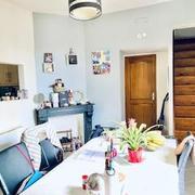 A vendre à Bois guillaume limite Rouen cet appartement duplex avec jardin clos de murs de 102 m2 avec parking 2 roueset cave.