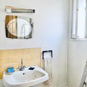 A vendre Rouen hyper centre dans un immeuble de style,  cet appartement T2 de 40m2 à réhabilité entièrement avec ascenceur et cave.