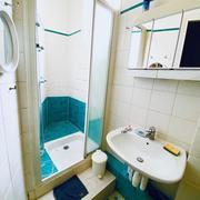 A vendre Rouen garecet appartement de charme , moulures , parquets, cheminées T5de 109m2 au 1 ème étage avec ascenseur !...