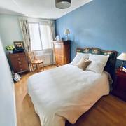A vendre rouen gare rive droite, dans une résidence bien tenue et calme,cet appartement de 66 m2 avec cave, sellier et un garage avec porte automatique.