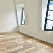 A vendre , à acheter, Rouen hyper centre, dans un lieu calme et de caractère au troisième étage d'un immeuble ancien,