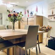 Acheter un appartement àvendre à mont Saint Aignan ,dans une résidence sécurisée et calme de très bonstanding,de 81 m2 en bon état avec une grande terrasse, une cave etun double garage.