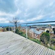 A proximité de la gare de Rouen , Achat / vente à Bois guillaume, cettemaison contemporaine de 250m2 habitable avec jardin, terrasse, garage , vue panoramique sud
