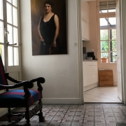 Avendre àrouen gare rive droite   cette maison ancienne du 18 ème avec parquets,moulures et cheminées offre 242 m2 habitable avec garage 2 voitures et un jardin.  Sa entréé, son grand séjour, son salon , son bureau,ses dégagement, sa cuisine équipée,et son jardin d'hivers sont exposés coté jardin au calme.  Dans les étages, les septchambres avec salle de bains et salle de douches offre un grand confort. Son jardin est clos de murs.
