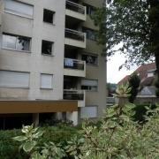 à Rouen gare, dans l'agence immobilière de rouen , il y a un appartement de 86 m² avec une terrasse, un ascenceur et unparking en sousà vendre . il y a une entrée, un séjour salon av terrasse, une cuisine équipée, deuxchambres, une salle de bains. il est calme enbon état et bienexposé.