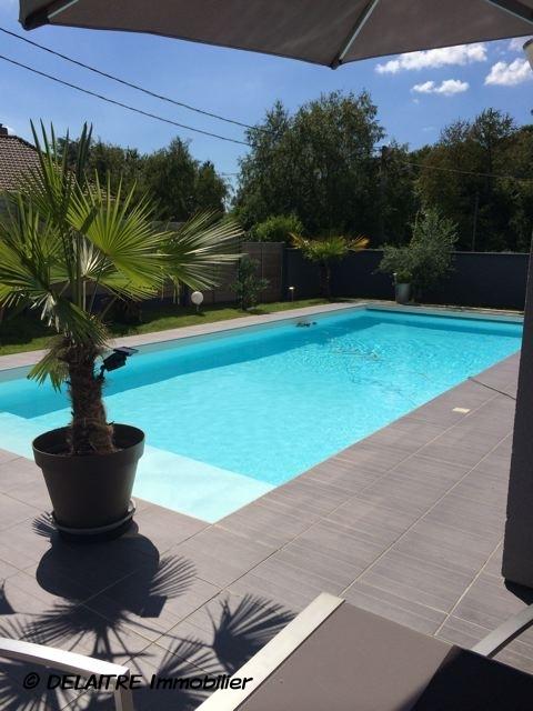 piscine  extèrieure delaitreimmobilier.fr