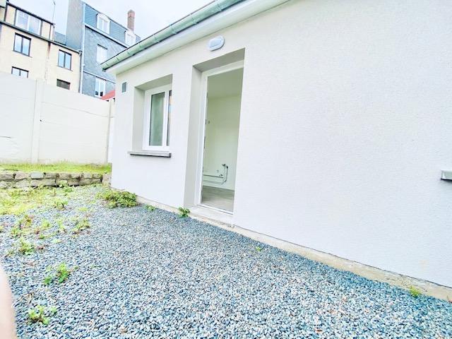 Rouen rive droite CHU A vendre cette maison en copropriéténeuve  de 48m2 avec une chambre et un bureau et une terrasse de 25m2.