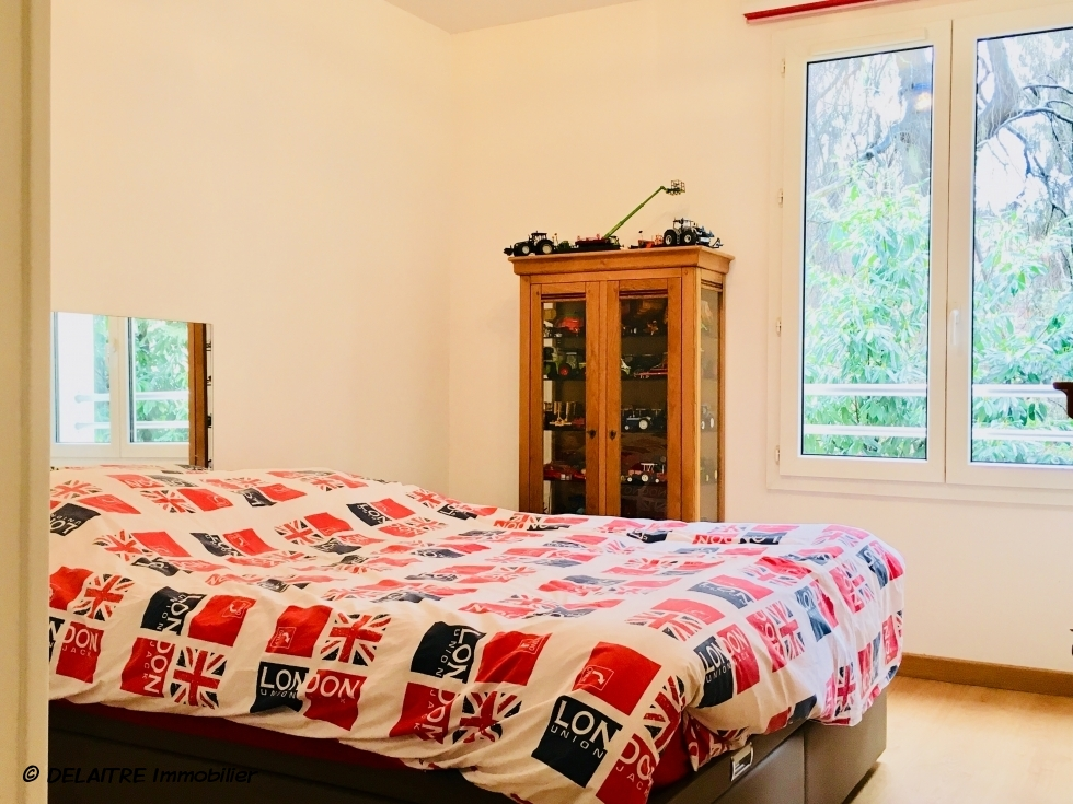 chambre avec rangement
