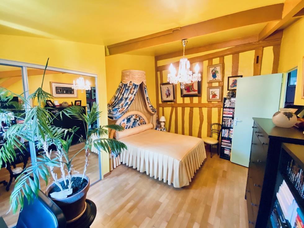 A vendre Rouen centre historique,  au dernier étage d'une petite copropriété très bien tenue ,cetappartement duplex original et de caractère T3