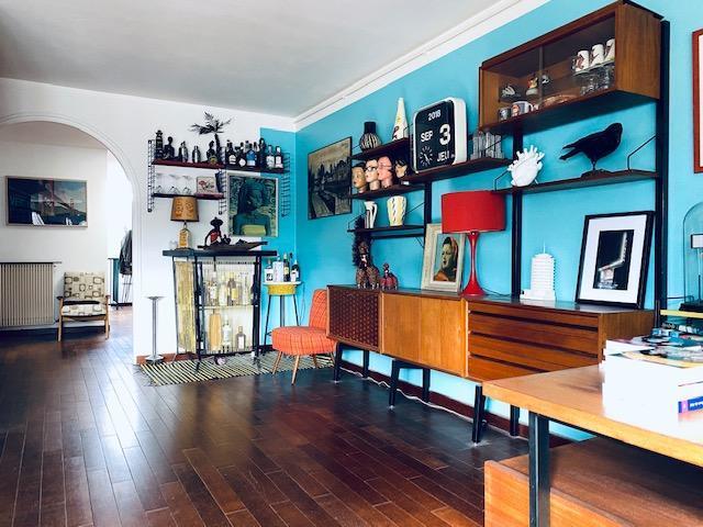 A vendre Rouen hotel de ville , cet original appartement , avec parking et cave, proposant 85 m2 hab