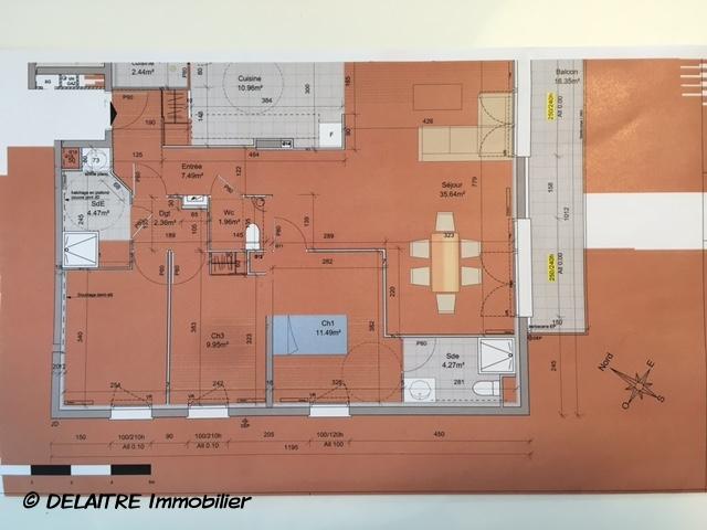 à vendre à Bihorel , cet appartement neuf possédant un ascenseur , un parking , une cave et balcon terrasse.  Il offre une entrée, une cuisine ,un grand séjour donnant sur un balcon terrasse ,une salle de douches,une sallle de bains et trois chambres.