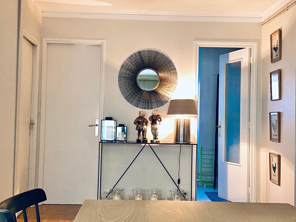 A vendre à acheter dans le centre ville commercant de Rouen rive droite, cet appartement de 87 m2 avec ascenseur balcons et cave.  Dans un immeuble de standing, plein sud et bien tenu,