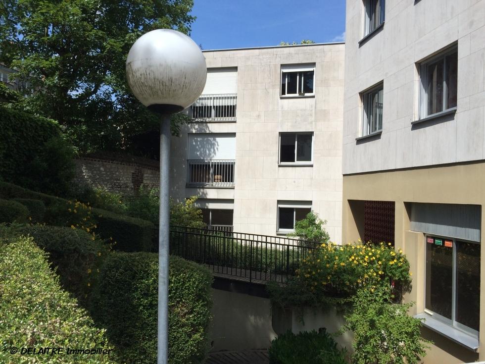 achat vente rouen gare dans residence de bon standing appartement ascenseur 4 chs balcon 2. Black Bedroom Furniture Sets. Home Design Ideas