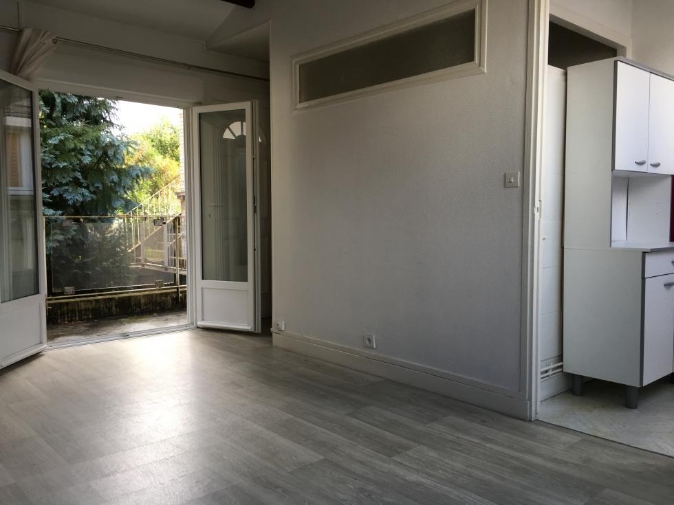 A acheter vendre jouvenet studio avec parking proche for Studio a acheter